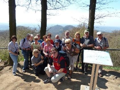 Gruppenfoto am Drachenfels